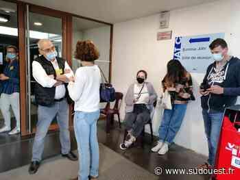 Villeneuve-sur-Lot : « Le standard a explosé, les gens s'agacent » au centre de vaccination - Sud Ouest