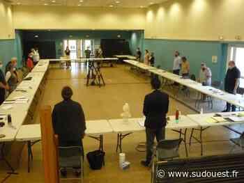 Izon : minute de silence puis débats houleux au conseil municipal - Sud Ouest