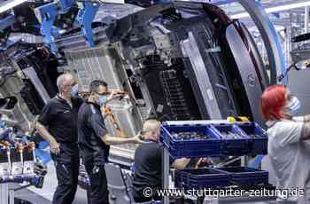 Produktionsstopp bei Daimler in Sindelfingen - Erst fehlen die Chips – dann die Batteriezellen - Stuttgarter Zeitung