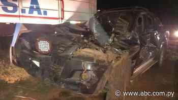 Camioneta hurtada en Horqueta, tras persecución policial, choca contra transganado en Concepción - Nacionales - ABC Color