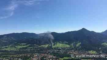 Bad Tölz-Lenggries: Riesige Rauchsäule: Feuer ausgebrochen - Einsatz beendet - Merkur.de