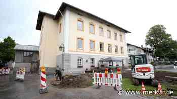 Lenggries: Dem Rathaus wird aufs Dach gestiegen - Merkur Online