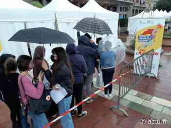 Yvelines. Poissy : une queue gigantesque pour se faire vacciner - actu.fr