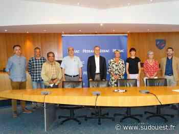 Pessac : deux conventions signées en mairie entre la ville et les établissements scolaires - Sud Ouest