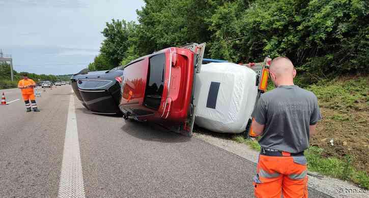 Sekundenschlaf: Lkw kippt auf A8 bei Karlsbad um - BNN - Badische Neueste Nachrichten