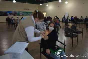 Con Pfizer y Moderna inmunizan a población en Ayolas - Nacionales - ABC Color