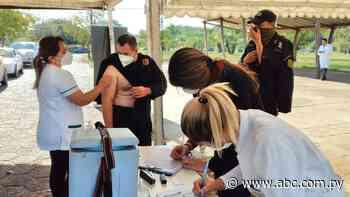 Con demora se inicia la inmunización en Ayolas - Nacionales - ABC Color