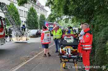 Erlangen: Großalarm für Feuerwehr und Rettungsdienst - Brand in Pflegeheim