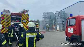 Feuerwehreinsatz bei in einem Kunststoffbetrieb in Geeste - noz.de - Neue Osnabrücker Zeitung