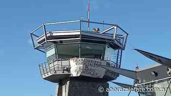 EL CALAFATE. Controladores aéreos y técnicos realizan medidas de fuerza - FM Dimensión - El Calafate