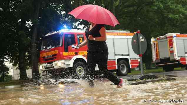 Überschwemmungen nach Unwetter : Erkrath bittet Bewohner, nicht mehr zu duschen - Tagesspiegel