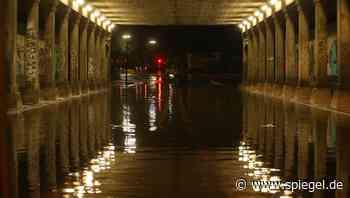 +++ Wetter-News +++: NRW-Innenminister: Lage in einigen Regionen »außerordentlich schwierig« - DER SPIEGEL