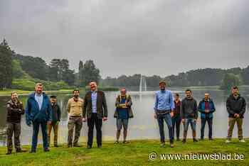 Grote fonteinen moeten blauwalg verdrijven van vijver gegrav... (Tervuren) - Het Nieuwsblad