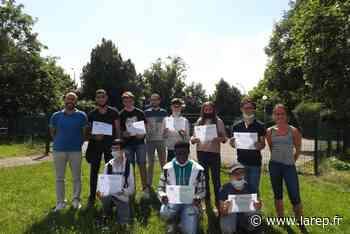 Neuf jeunes de l'IME sont diplômés - La République du Centre