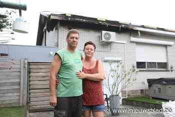 """Lizel en Steven slapen in bijgebouw na verwoestende brand: """"Alle spullen van onze overleden zoon zijn vernield"""" - Het Nieuwsblad"""
