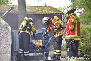 Meckelfeld: Feuerwehr löscht brennenden Papiercontainer - seevetal-aktuell.de