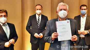 Drei Ehrenamtliche erhalten Landesehrenbriefe für jahrelanges Engagement - op-online.de