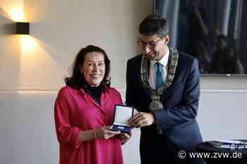 Riani-Chefin Martina Buckenmaier erhält Daimlermedaille der Stadt Schorndorf - Schorndorf - Zeitungsverlag Waiblingen - Zeitungsverlag Waiblingen