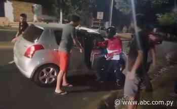 Ciudadanos evitan asalto al reducir a maleante en Lambaré - Nacionales - ABC Color