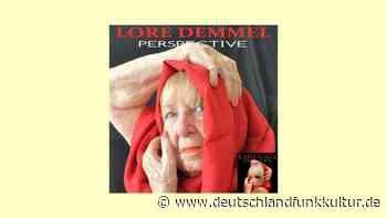Senioren stellen Plattencover nach - Einmal Lady Gaga sein - Deutschlandfunk Kultur