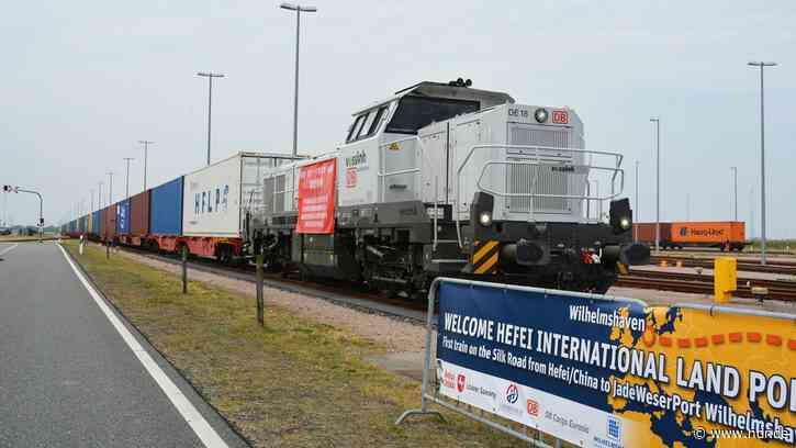 Wilhelmshaven: Chinesischer Güterzug erreicht JadeWeserPort - NDR.de