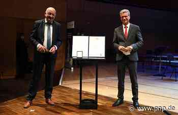 """""""Dienstleister für die Chöre"""": Karl Weindler ausgezeichnet - Passauer Neue Presse"""