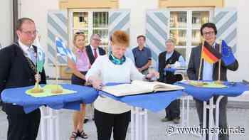 Bundestags-Vizepräsidentin Petra Pau zu Besuch im Rathaus - Merkur Online