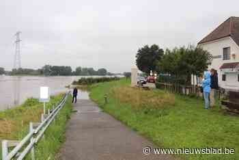 Maasdijk afgesloten in Kinrooi
