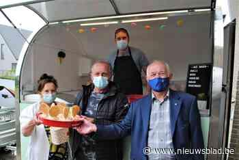 Residentie Sorgvliet getrakteerd op ijsjes - Het Nieuwsblad