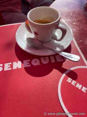 Saint-Tropez : un café chez Sénéquier | Le blog de Gilles Pudlowski - Les Pieds dans le Plat - Les pieds dans le plat