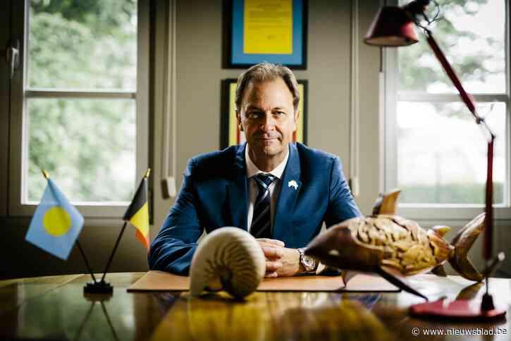 Bekendste Belg van paradijs op aarde maakt opnieuw promotie en is secretaris-generaal van het Consulair Corps van Antwerpen