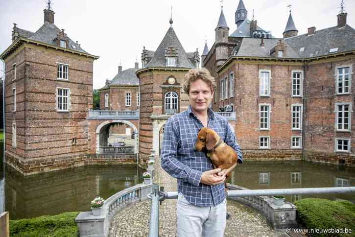 """Binnenkijken in kasteel van Westelse prins Simon de Merode: """"Als kind speelde ik hier verstoppertje in het donker"""""""