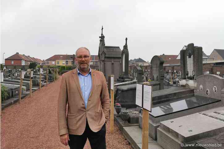 """Plannen voor herinrichting kerkhof stuiten op verontwaardigde reacties: """"Dit is een kaalslag, zelfs graven van oud-strijders ontsnappen niet aan ontruiming"""""""