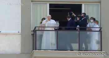 El papa Francisco salió del hospital tras ser operado del colon - El Comercio Perú