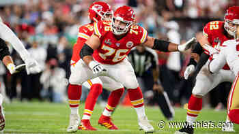 news Chiefs' Guard Laurent Duvernay-Tardif Returns to the Field After a Year Battling the Pandemic - chiefs.com