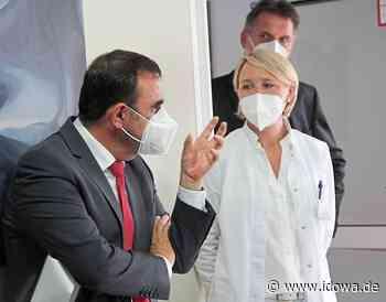 Gesundheitsminister in Osterhofen - Klaus Holetschek beeindruckt von der Fachklinik - idowa