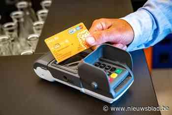 Roemeen betaalt contactloos met gestolen bankkaarten