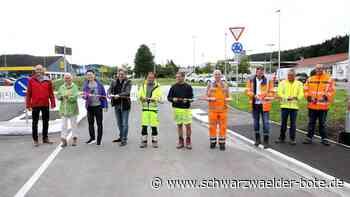 Durchgangsverkehr Rangendingen - Neuer Kreisel für den Verkehr geöffnet - Schwarzwälder Bote