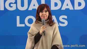 Cristina Kirchner vuelve de El Calafate para encender la campaña con una audiencia y el cierre de listas - Perfil.com