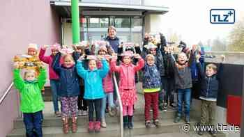 Migranten nähen für Kinder in Waltershausen bunte Mund-Nasen-Bedeckungen - Thüringische Landeszeitung