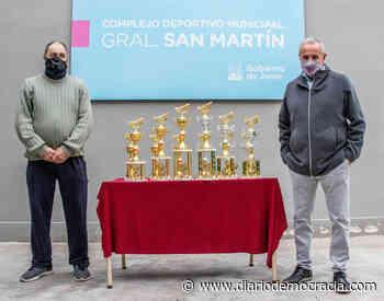 El municipio apoya al Club de Pesca de la Laguna de Gómez - Diario Democracia