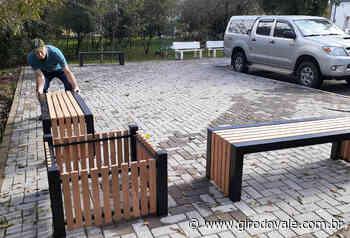 Orla do rio Taquari, e Bom Retiro do Sul, recebe novo mobiliário urbano - Giro do Vale
