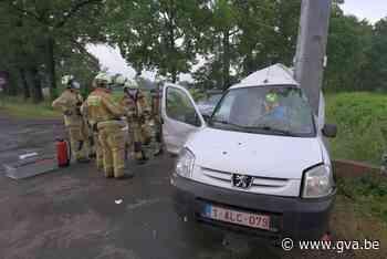 Man zwaargewond na dubbele klap - Gazet van Antwerpen