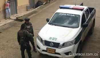 Un policía muerto y cinco más heridos en atentado en Bugalagrande - Caracol Radio