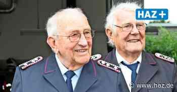 Seelze: Gerhard Bicker und Friedrich Dralle aus Velber für 60 Jahre in der Feuerwehr geehrt - Hannoversche Allgemeine