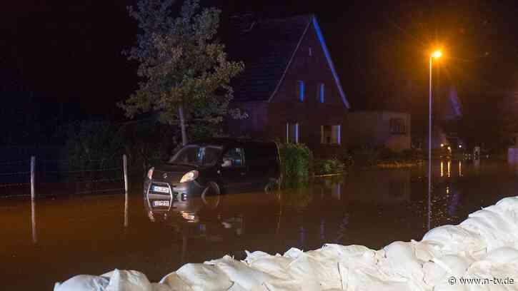 Dammbruch im Kreis Heinsberg: Fluten strömen in Stadtteil von Wassenberg - n-tv NACHRICHTEN