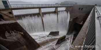 Rurtalsperre: Nach Überlaufen fließen Wassermassen durch den Kreis Heinsberg - FOCUS Online
