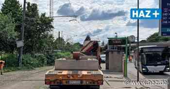 Laatzen: Stadtbahn entgleist und rammt Mast an Wendeschleife Rethen - Hannoversche Allgemeine