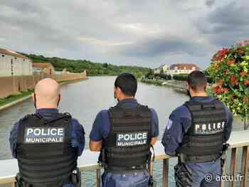 Melun. Des policiers municipaux empêchent une femme de sauter dans la Seine - actu.fr