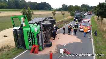 Kreisstraße 1205 zwischen Genthin und Hagen voll gesperrt wegen Bergung eines Unfall-LkW - Volksstimme